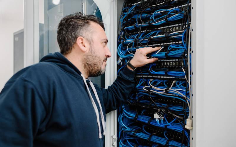 Ci.erre ufficio infrastrutture e reti informatiche installazione e assistenza